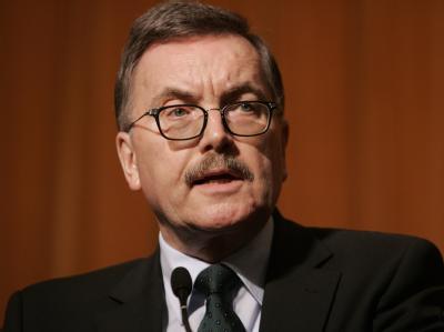 Der scheidende Chefvolkswirt der Europäischen Zentralbank, Jürgen Stark, sieht die Entwicklung der Euro-Schuldenkrise mit Sorge.