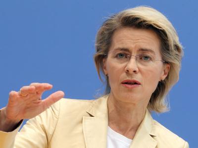 Bundesarbeitsministerin Ursula von der Leyen sieht die Notwendigkeit von mehr europäischer Integration.