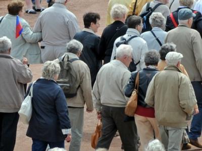 Das Nachrichtenmagazin «Focus» hat behauptet, dass die Bundesregierung prüft, das Renteneintrittsalter um 2 auf 69 Jahre zu erhöhen. Berlin dementierte.