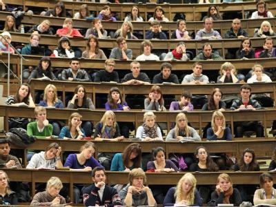 Medizinstudenten an der Universität Leipzig. Die Flut der Studenten an deutschen Hochschulen steigt weiter.