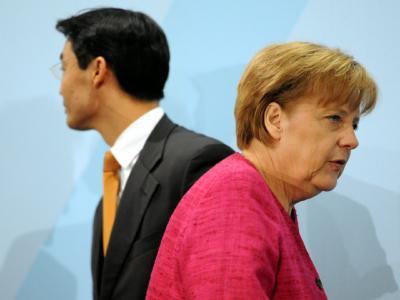 Angela Merkel (CDU) und Philipp Rösler (FDP) haben in der Europa-Politik keine gemeinsame Linie.