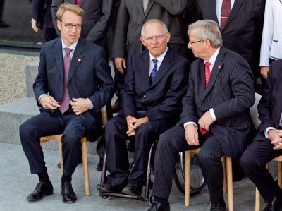 Gruppenbild in Breslau: Bundesbankpräsident Jens Weidmann, Bundesfinanzminister Wolfgang Schäuble und Luxemburgs Ministerpräsident Jean-Claude Juncker (v.l).