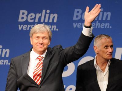 Wahlsieger Klaus Wowereit (SPD) bedankt sich bei seinen Parteigenossen.