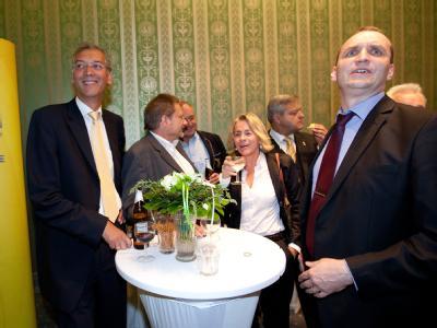 Jubel sieht anders aus: Anhänger der FDP im Abgeordnetenhaus in Berlin.