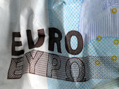Die kaum enden wollenden Hiobsbotschaften in der Schuldenkrise haben den Euro am Devisenmarkt deutlich geschwächt.