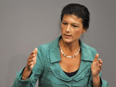 Je später der Schuldenschnitt für Griechenland komme, desto teurer werde das für Steuerzahler, sagte die Linke-Abgeordnete Sahra Wagenknecht.