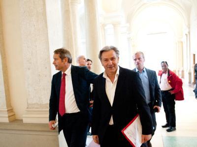 Zwei Tage nach der Wahl trafen sich alte und neue Mitglieder der SPD-Fraktion zu einer Sitzung.