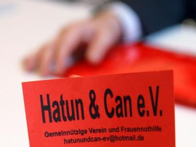 Der Vorsitzende des Frauennothilfevereins Hatun & Can muss wegen Betrugs für vier Jahre und zehn Monate in Haft.