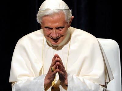 Papst Benedikt XVI. spricht in Freiburg.