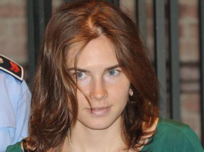 Die wegen Mordes angeklagte US-Studentin Amanda Knox vor Gericht im italienischen Perugia.
