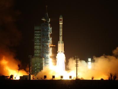Erfolgreicher Start des ersten chinesischen Moduls für die Entwicklung einer eigenen Raumstation.