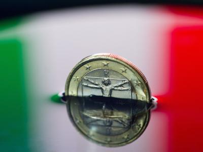Italienische Ein-Euro-Münze: Wirtschaftsforscher Ansgar Belke schließt einen finanziellen Kollaps des hoch verschuldeten Landes nicht aus. Symbolfoto: Patrick Pleul