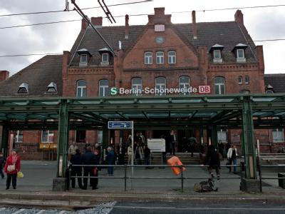 Bahnhof Berlin Sch�neweide