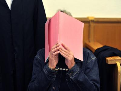 Prozess wegen Dreifachmordes