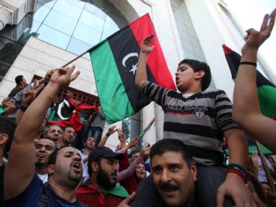 Jubel über das Ende des Gaddafi-Regimes. Foto: epa/STR
