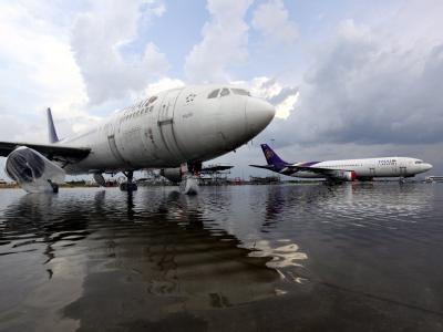 Das Hochwasser hat den Flughafen Don Mueang in Bangkok erreicht. Foto: STR