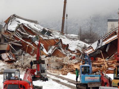 Eingestürzte Eishalle