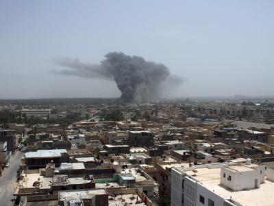 Tripolis nach einem Nato-Luftangriff im Juni 2011: Nach sieben Monaten ist der Militäreinsatz der Nato in Libyen beendet. Foto: EPA/STR