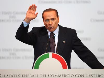 Italiens Regierungschef Silvio Berlusconi hat in seinem Land Schlagzeilen mit Euro-kritischen Äußerungen gemacht - die er nach Kritik dann korrigierte. Foto: Maurizio Brambatti