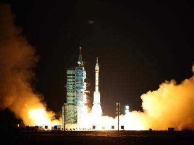 Mit einem Bilderbuchstart hat das chinesische Raumschiff «Shenzhou 8» eine neue Kooperation zwischen Deutschland und China eingeleitet. Foto: T Tian