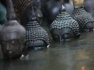 Buddhas unter Wasser