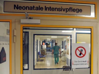 In Bremen ermittelt die  Staatsanwaltschaft: «Wir prüfen, ob Mitarbeiter die Ursache für die Infektionen sein könnten.» Foto: Ingo Wagner