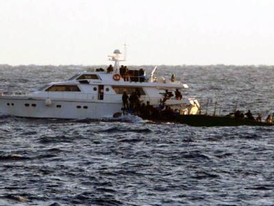 Israelische Soldaten stoppen Boote