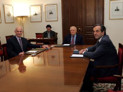 Papandreou und Samaras bei Papoulias