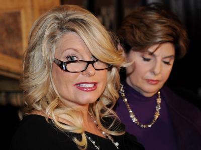 Der Sex-Skandal um den republikanischen Präsidentschaftsbewerber Cain ist keine Eintagsfliege. Jetzt preschte eine Frau mit Belästigungsvorwürfen vor - und sie nennt schlüpfrige Details. Foto: Justin Lane