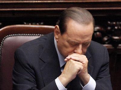 Regierungschef Berlusconi harrt bislang unerschütterlich in seinem Amt aus, auch wenn seine Mehrheit schwindet. Die Rücktrittsgerüchte häufen sich. Archivfoto: Giuseppe Lami