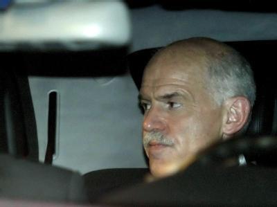 Erklärte seinen Rücktritt, George Papandreou: Sein Nachfolger ist immer noch nicht gefunden. Die Politiker in Athen feilschen in Endlos-Verhandlungen über einen neuen Regierungschef.  Foto: Alkis Konstantinidis