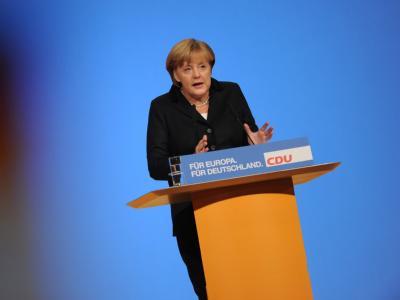 Die CDU-Vorsitzende und Bundeskanzlerin Angela Merkel spricht am Montag in Leipzig auf dem CDU-Parteitag. Foto: Arno Burgi