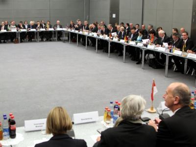 120 Minister und Fachleute nehmen an dem Krisengipfel teil. Foto: Wolfgang Kumm