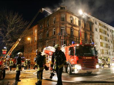 Brand in einem Mehrfamilienhaus in Ludwigshafen. Archivfoto vom 03.02.2008: Boris Roessler