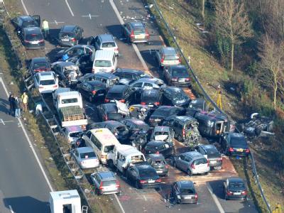 Autowracks am Samstag auf der Autobahn A31 bei Heek. Foto: Carmen Jaspersen