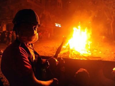 Fünf Tage vor der Parlamentswahl herrscht in Ägypten blankes Chaos. Demonstranten und Polizisten liefern sich blutige Auseinandersetzungen. Foto: Mohamed Omar