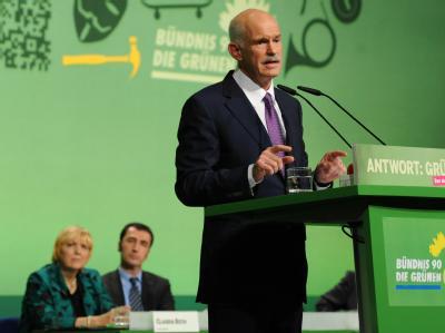 Der ehemalige griechische Ministerpräsident Giorgos Papandreou ist Gastredner in Kiel bei der Bundesdelegiertenkonferenz von Bündnis 90/Die Grünen. Foto: Angelika Warmuth