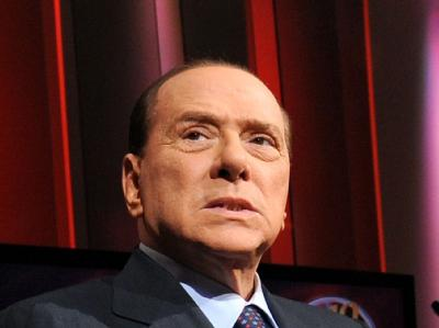 Silvio Berlusconi wird vorgeworfen, seinem ehemaligen Anwalt David Mills für Falschaussagen in Prozessen in den 1990er Jahren knapp 449 000 Euro gezahlt haben. Foto: Ettore Ferrari