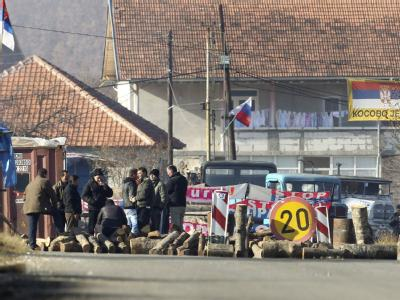 Stolperstein auf dem Weg in die EU: Serbische Barrikade im Kosovo. Foto: Valdrin Xhemaj