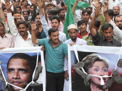 Anti-US-Demonstration in Karachi: Sollte es erneut zu einem Nato-Angriff kommen, dürfen seine pakistanische Truppen zurückschießen, so Armeechef Ashfaq Parvez Kayani. Foto: Rehan Khan