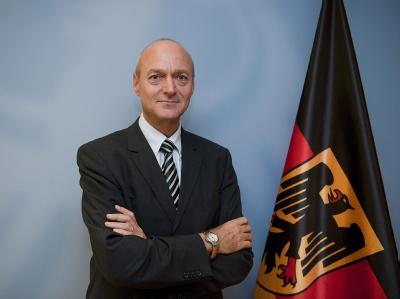 Der Sicherheitsexperte Gerhard Schindler wird neuer Chef des Bundesnachrichtendienstes (BND). Foto: BMI/Hans-Joachim M. Rickel, dpa