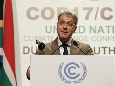 Bundesumweltminister Norbert Röttgen spricht auf dem UN-Klimagipfel in Durban. Foto: Nic Bothma