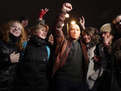 Auch in St. Petersburg gingen die Menschen auf die Straße und demonstrierten gegen das Ergebnis der Parlamentswahlen. Foto: Anatoly Maltsev
