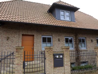 Das Wohnhaus der Familie von Bundespräsident Christian Wulff in Großburgwedel bei Hannover. Foto: Holger Hollemann