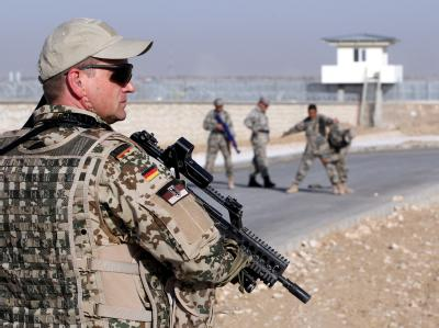 Die Bundeswehr-Truppe in Afghanistan soll weiter reduziert werden.  Foto: Wolfgang Kumm, dpa