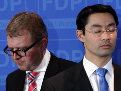 Parteifreunde, die keine Freunde mehr werden: Euro-Rebell Frank Schäffler und FDP-Parteichef Philipp Rösler. Foto: Michael Kappeler