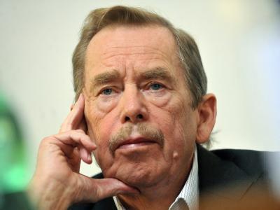 Als Folge seiner jahrelangen Gefängnisaufenthalte unter dem kommunistischen Regime war Havel gesundheitlich scher angeschlagen. Foto: Filip Dinger