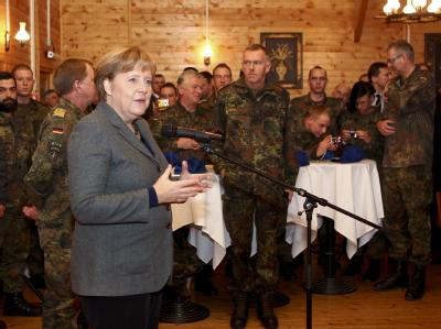 Merkel im Kosovo