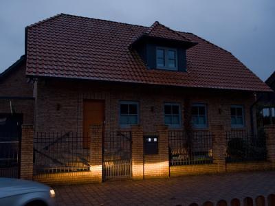 Das Wohnhaus der Familie von Bundespräsident Christian Wulff in Großburgwedel. Foto: Peter Steffen