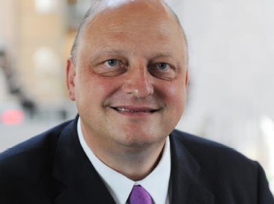 Der ehemalige Wulff-Sprecher Glaeseker bleibt in Bedrängnis. Die Staatsanwaltschaft Hannover durchsuchte sein früheres Arbeitszimmer im Bundespräsidialamt. Foto: Rainer Jensen/Archiv